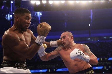Surpriza anului in box. Ucraineanul Usyk l-a invins pe britanicul Joshua la Londra in fata a 70.000 de spectatori