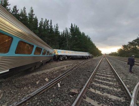 De<span style='background:#EDF514'>RAIE</span>rea unui tren in statul american Montana s-a lasat cu victime