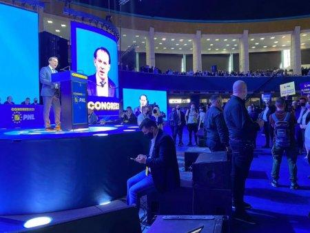 A doua zi de alegeri in PNL. Liberalii isi stabilesc echipa care va conduce partidul alaturi de Florin Citu