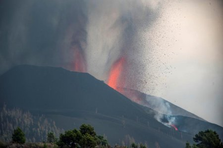 Un nor de cenusa vulcanica traverseaza de duminica Romania. Comunicatul transmis de Ministerul Mediului