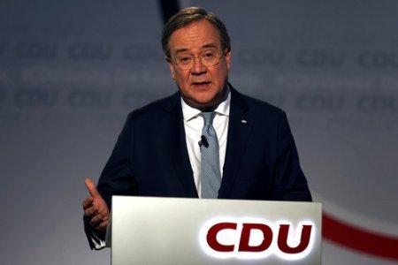 Liderul din partidul Angelei Merkel recunoaste ca scorul este sub asteptari, dar vrea sa conduca viitorul guvern