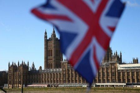 Regatul Unit va acorda peste 10 000 de vize temporare de munca