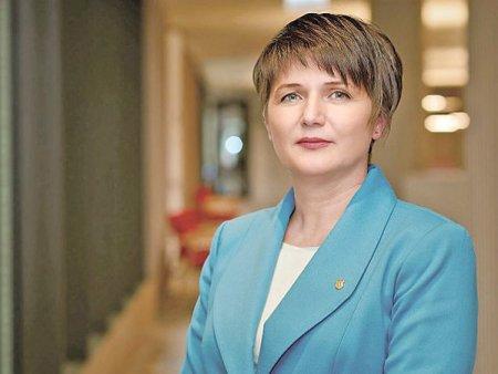Luminita Runcan, director general adjunct risc la Banca Transilvania, a fost aleasa presedinte al Asociatiei Pietelor <span style='background:#EDF514'>FINANCIARE</span>