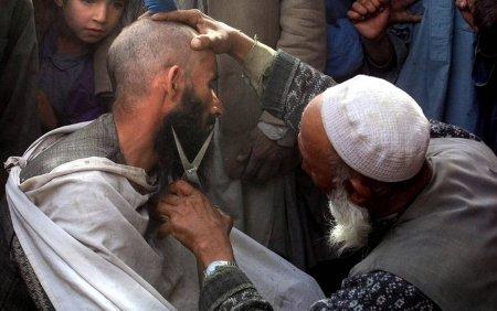 Talibanii au interzis frizerilor afgani sa mai rada si sa tunda barbile. Nimeni nu are dreptul sa se planga