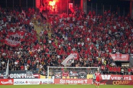 Suporterii aradeni i-au taxat pe fotbalistii lui CFR Cluj » De ce tot stadionul a scandat impotriva elevilor lui Dan Petrescu