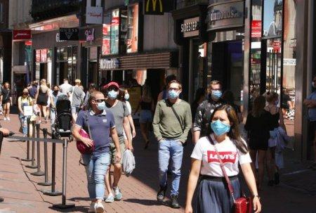 Pandemia COVID-19 a redus <span style='background:#EDF514'>SPERANTA DE VIATA</span> cu cea mai mare valoare de la Al Doilea Razboi Mondial