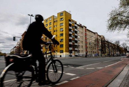 Locuitorii Berlinului au votat pentru exproprierea gigantilor imobiliari