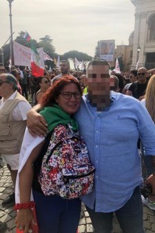 Romanii s-au alaturat protestelor din Italia impotriva certificatului verde. Batantele nevaccinate sunt disperate, trebuie sa plateasca 200 de euro pe luna