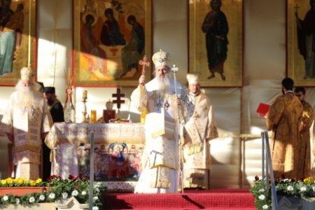 IPS Calinic, Arhiepiscopul Sucevei si Radautilor, internat cu o forma grava de COVID-19