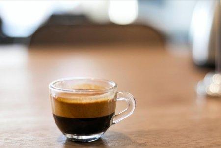 Cafeaua cu lamaie – beneficii si contraindicatii