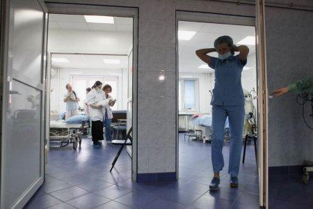 Proiect: Certificatul verde, obligatoriu pentru personalul medical