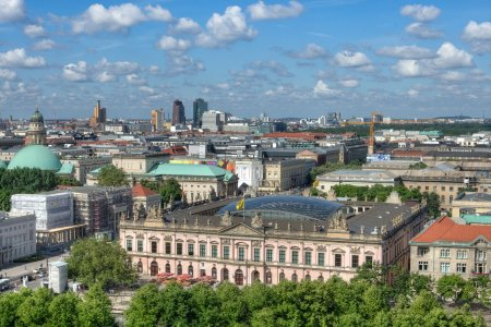 Berlinul va nationaliza 240.000 de locuinte. Peste 56% dintre alegatori au votat pentru, la referendum