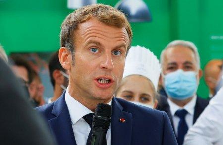 Presedintele francez, Emmanuel Macron, a fost lovit cu un ou de un barbat, in timpul unui eveniment