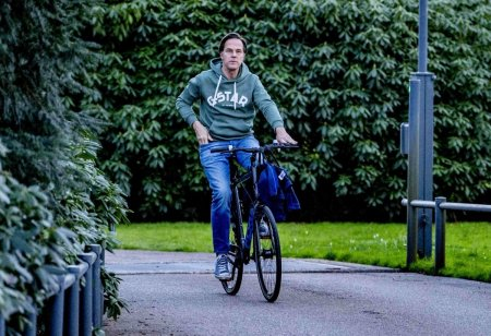 Presa olandeza: Premierul Mark Rutte ar putea fi tinta unui atac sau unei rapiri de catre traficantii de droguri