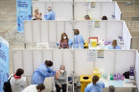 Cum a ajuns Spania unul din liderii mondiali la imunizarea anti-COVID: In absenta vaccinului, era colaps