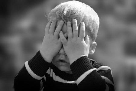Copiii de azi traiesc vremuri mai grele decat bunicii lor! Caniculele si <span style='background:#EDF514'>INUNDATIILE</span> si-au spus cuvantul