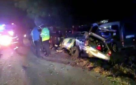 Trei persoane au fost ranite in urma unui accident. Patru autoturisme, avariate