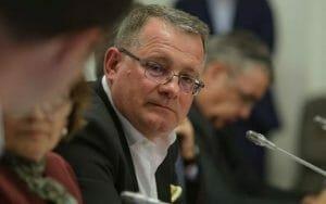 Surpriza! Un ministru liberal isi va da azi demisia!