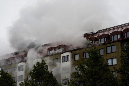 Cel putin 25 de raniti, in urma unei explozii la un bloc din Suedia