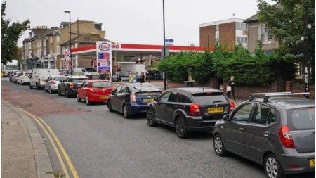 Marea Britanie si criza combustibilului: ce a provocat-o si incotro se indreapta