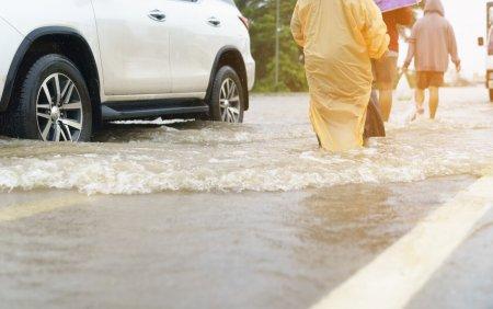 Cod galben de inundatii pe rauri din Banat, Crisana si Transilvania, in orele urmatoare