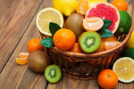 Zece fructe minune pe care sa le consumi in fiecare zi. Ce efecte uimitoare au pentru sanatate