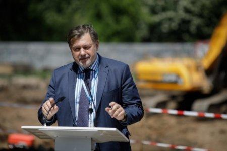 Alexandru Rafila DESFIINȚEAZA proiectul care instituie cerificatul verde in <span style='background:#EDF514'>SISTEMUL MEDICAL</span>: DISCUȚIA e pe banii cui se face testarea