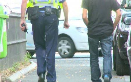 Barbat condamnat la inchisoare, dupa ce a <span style='background:#EDF514'>SECHE</span>strat un politist. Omul legii i-ar fi facut avansuri sotiei acestuia