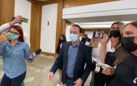 VIDEO. Citu a plecat nervos dintr-o conferinta de presa, dupa doar 3 minute cu presa