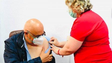 Raed Arafat s-a vaccinat cu doza trei de vaccin impotriva COVID-19