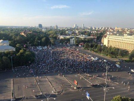 Transportatorii renunta la protestul din Piata Victoriei