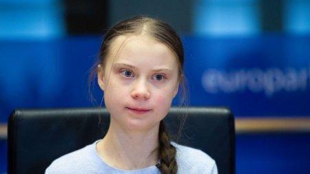 Greta Thunberg si-a batut joc de discursurile lui Boris Johnson si Emmanuel Macron: