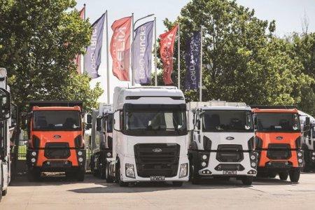 Accelerarea lucrarilor de infrastructura a determinat companiile de constructii sa cumpere mai multe camioane specializate. In 2021 a revenit si cererea pentru camioane de transport international, avand in vedere cresterea consumului si scaderea din 2020 determinata de amanarea achizitiilor