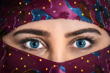 Femeilor afgane li s-a interzis sa predea sau sa participe la cursuri la Universitatea din <span style='background:#EDF514'>KABUL</span>
