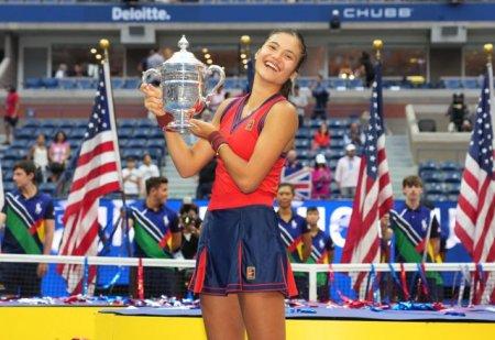 Emma Raducanu a primit <span style='background:#EDF514'>WILD</span>-card la turneul de tenis de la Indian Wells
