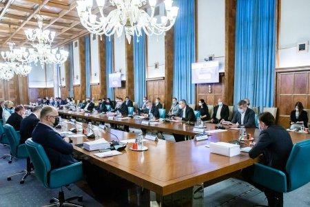 Ministerul Finantelor ia in calcul eliminarea unor <span style='background:#EDF514'>SCUTIRI</span> din anumite domenii de activitate