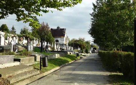 Situatie revoltatoare in Bistrita. Oamenii nu au unde sa-si ingroape rudele, pentru ca cimitirul nou nu are cai de acces