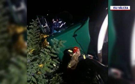 Accident cumplit in <span style='background:#EDF514'>CALIMANESTI</span>. Un barbat a murit strivit de cabina camionului pe care il conducea