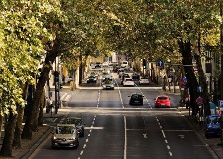 Proiectul Strazi Deschise, suspendat din cauza Covid-19. Traficul auto se reia, din weekend, pe toate str<span style='background:#EDF514'>AZILE</span> din Capitala