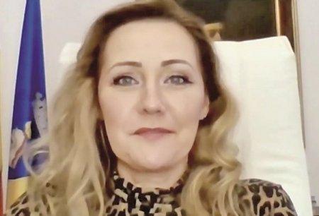 ZF Investiti in Romania! Elena Lasconi, primar Campulu<span style='background:#EDF514'>NG MUSCEL</span>: Daca mai plangem mult dupa ARO, nu va fi bine. Turismul va salva orasul, dar trebuie sa accesam orice fond care se poate accesa