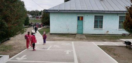 Soarta halucinanta a unei scoli suprapopulate d<span style='background:#EDF514'>IN MOLDOVA</span>. De ce nu primeste bani de nicaieri