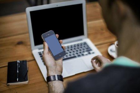 Miscarea momentului pe piata telecomunicatiilor. Un magnat pregateste o investitie colosala