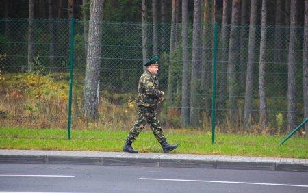 Lituania si Letonia instaleaza bariere la granita cu Belarus
