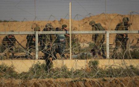 Fortele israeliene au ucis un militant <span style='background:#EDF514'>PALESTINIAN</span> si o femeie care a incercat sa atace cu cutitul fortele de securitate