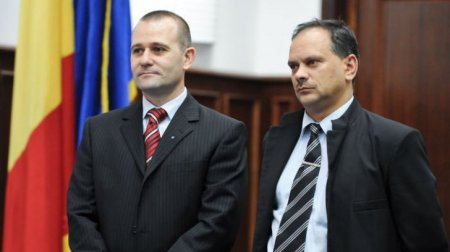 <span style='background:#EDF514'>TRIBUNALUL BUCURESTI</span> a anulat pentru plagiat diploma de doctor a generalului SRI Dumitru Dumbrava