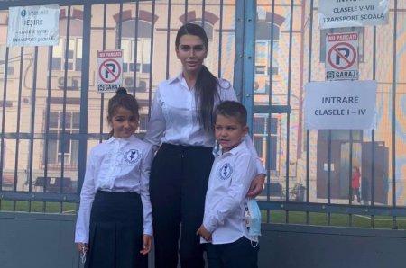 Ce pasiune are Traian Basescu jr. Elena Basescu e mandra de fiul ei in varsta de 6 ani: Jucarii pentru baieti