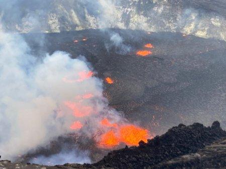 Cod rosu de alerta in Hawaii dupa <span style='background:#EDF514'>ERUPTIA</span> vulcanului Kilauea