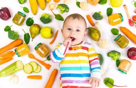 Diversificarea si primele mancaruri ale bebelusului