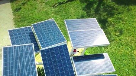 Cum puteti fi platiti pentru energia electrica produsa de propria casa