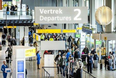 Mai multe companii aeriene din Europa returneaza pretul biletelor pasagerilor zborurilor anulate in timpul pandemiei de COVID-19